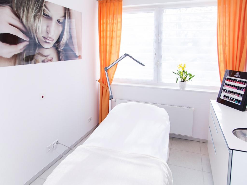 Kosmetikinstitut HAVELIS Ästhetik | Behandlung | Dr. med. Ulrich Schneider & Dr. med. Stephan Krüger, Freundenstadt